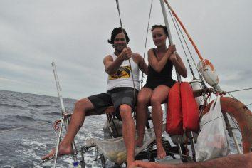 Boat to Panama – Crue & Buddies