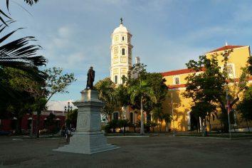 Ciudad Bolivar, Venezuelan hole