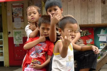Manila 'kidz' on their block