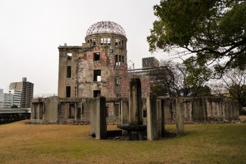 8:15am, August 6, 1945 (Hiroshima War Memorial Museum & A-Dome)