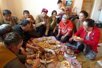 Bayon Olgyi: Zharghan's family & Accommodation