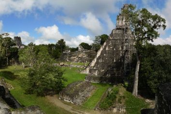 Panoramas of Tikal (Mayan Empire – Guatemala); 700 BC